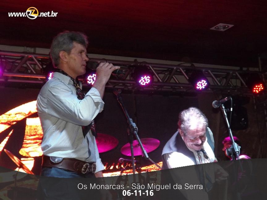 Baile em São Miguel da Serra - Os Monarcas